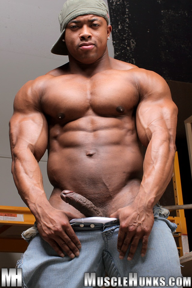 Big muscle naked men