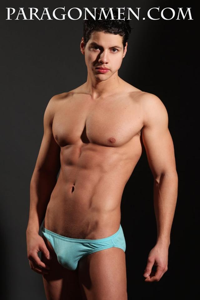 Nude gay muscle men