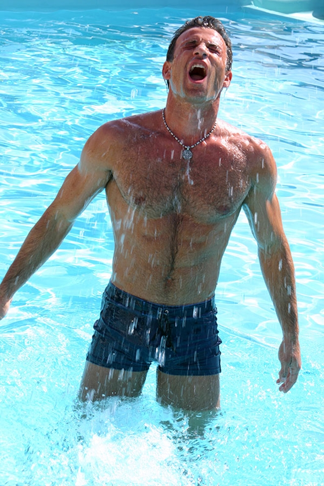 Gay-porn-pics-gallery-tube-video-01-Alberto-and-Marco-Lucas-Kazan-Italian-latin-gay-men-latino-straight-men-naked-straight-latino-men-photo