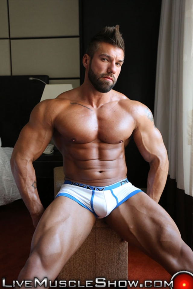 Lucas-Diangelo-Live-Muscle-Show-Gay-Naked-Bodybuilder-nude-bodybuilders-gay-muscles-muscled-gay-sex-photo02-gallery-video-photo
