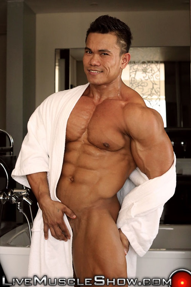 Joseph-Blessed-Live-Muscle-Show-Gay-Porn-Naked-Bodybuilder-nude-bodybuilders-gay-fuck-muscles-big-muscle-men-gay-sex-005-gallery-video-photo