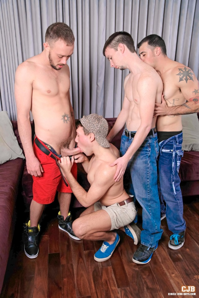 Ebony circle jerk