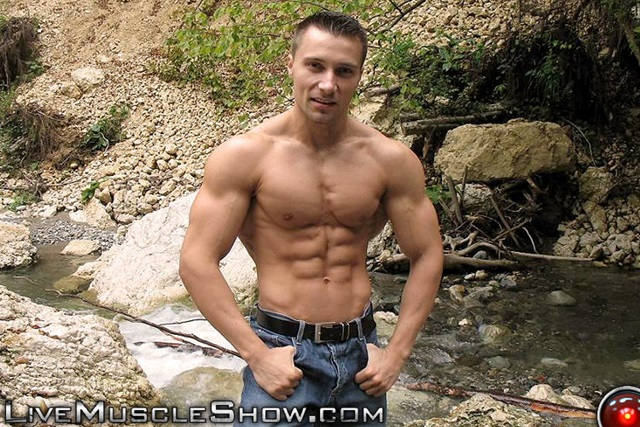 Toby-Walters-Live-Muscle-Show-Gay-Porn-Naked-Bodybuilder-nude-bodybuilders-gay-fuck-muscles-big-muscle-men-gay-sex-003-gallery-video-photo