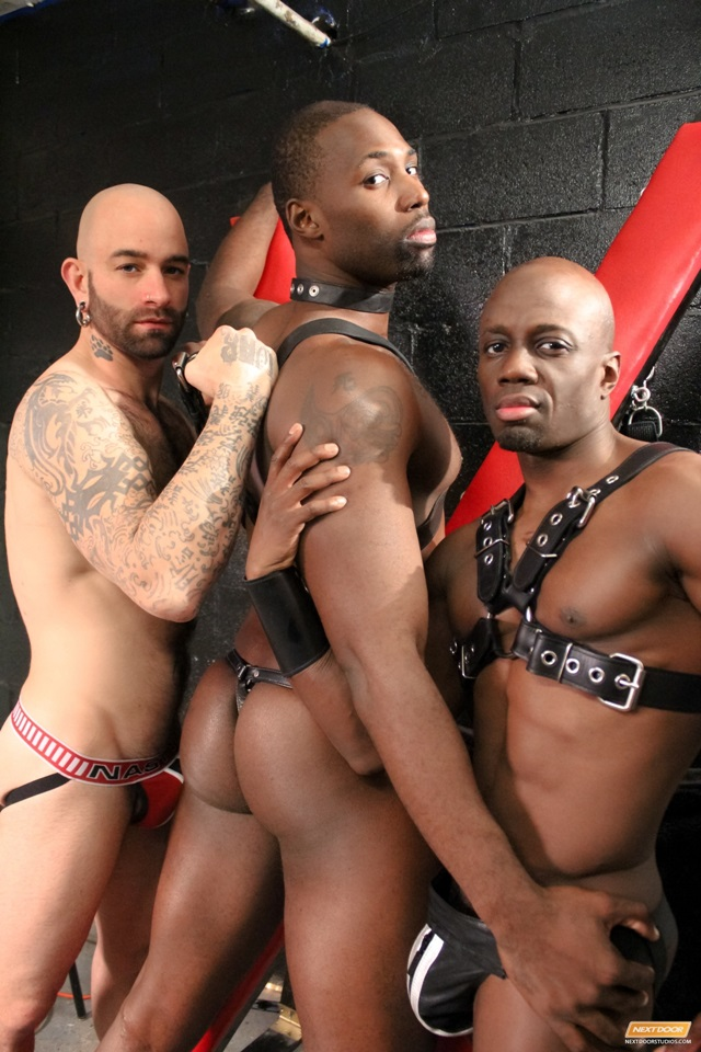 Jay-Black-Nubius-Sam-Swift-huge-black-cocks-threesome-spit-roasting-006-male-tube-red-tube-gallery-photo