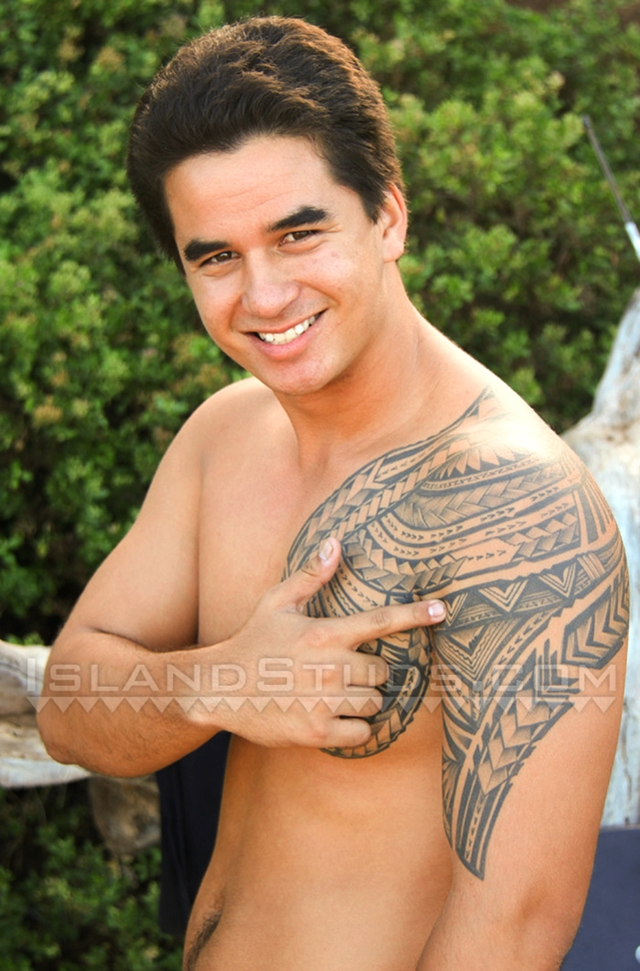 Island-Studs-Kapono-big-beefy-Hawaiian-surfer-big-hairy-balls-sexy-Kapono-strips-fully-naked-public-003-male-tube-red-tube-gallery-photo