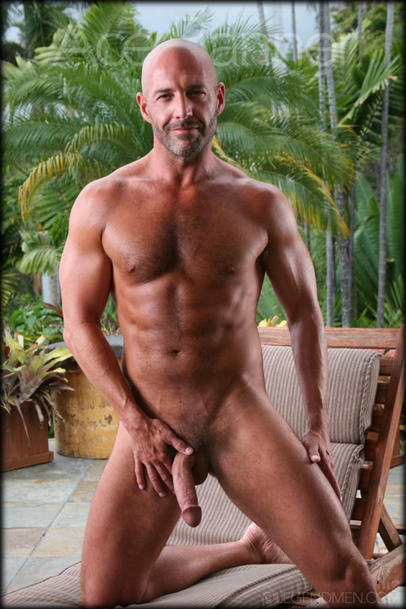 from Paul gay muscular men naked