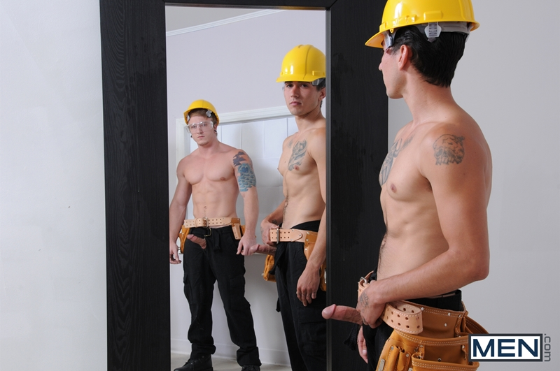 Two construction workers fuck an english housewife 5