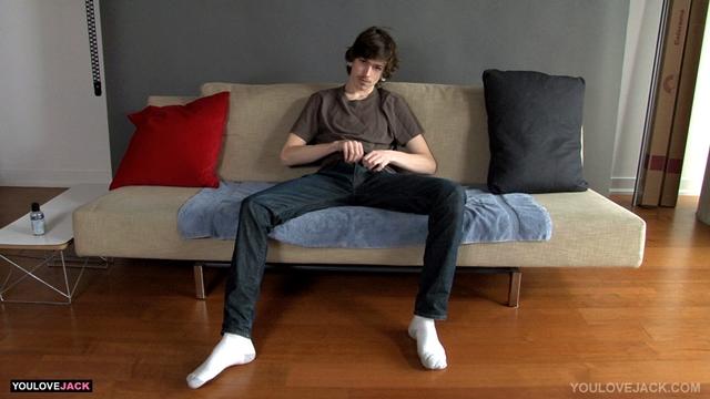 Uncut skater twink Jeremy Jagger