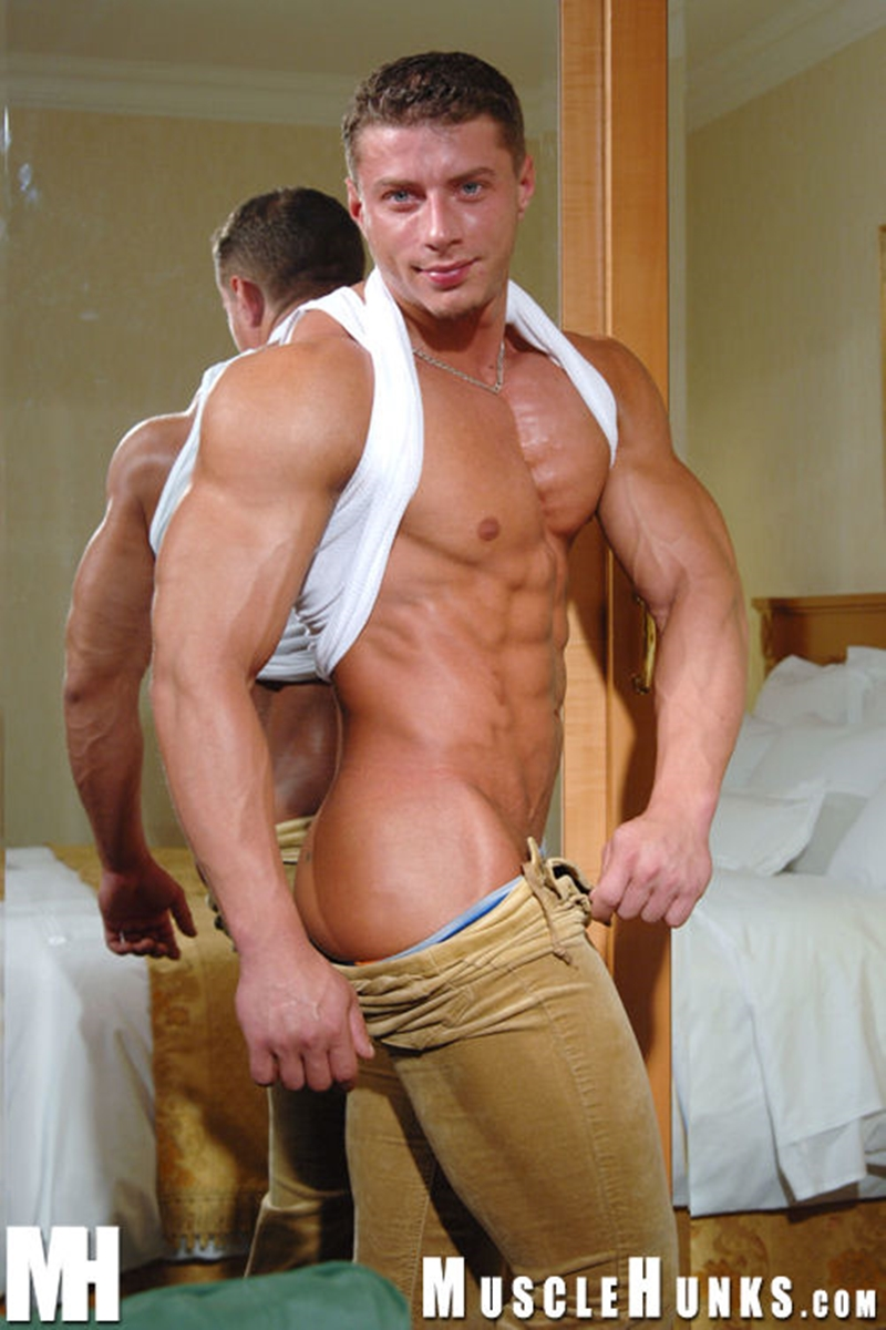 muscle men 2 muscle hunks  Ustin Galtov