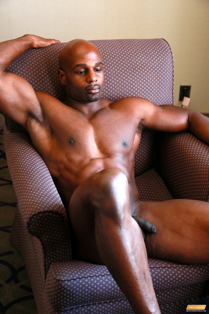 Gay Ebony Muscle 107