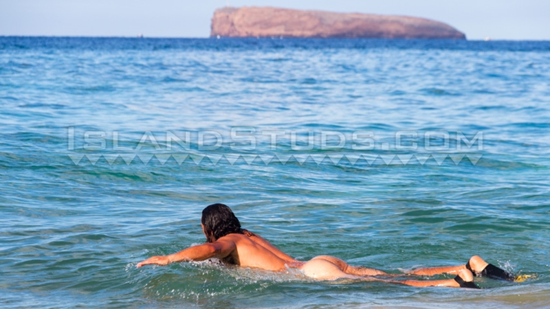 IslandStuds-straight-surf-Stud-sexy-Kana-jerk-off-jerking-uncut-dick-furry-belly-hairy-man-butt-bearded-face-011-tube-video-gay-porn-gallery-sexpics-photo