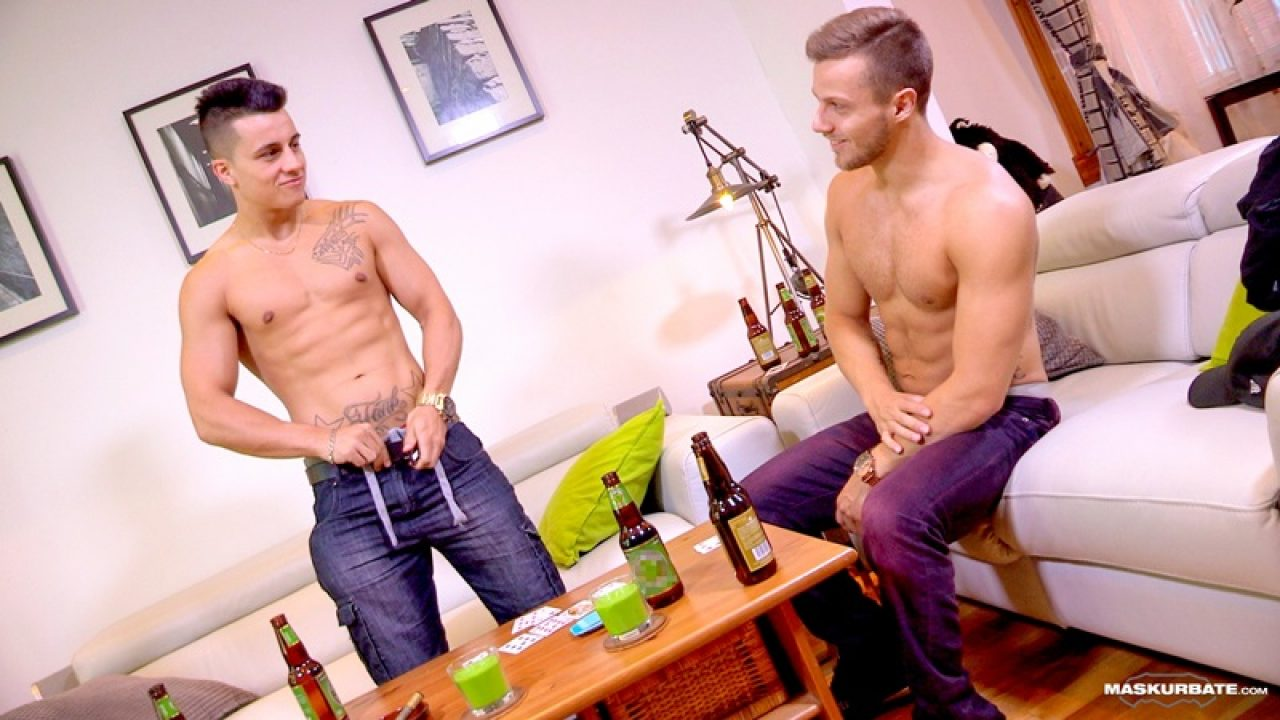 Big Frank Porn - Maskurbate hot duo Mike and buddy Frank jerk off their huge ...