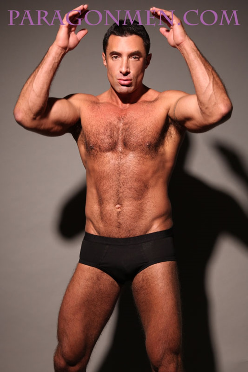 Gay Muscular Tube 24
