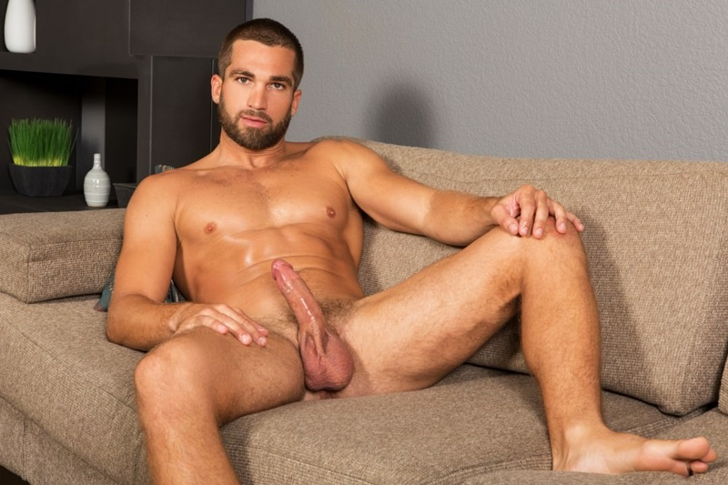 See sexy muscle stud Rhett strips naked and jerks his big cock till ...: nakedgaypornpics.com/category/sean-cody