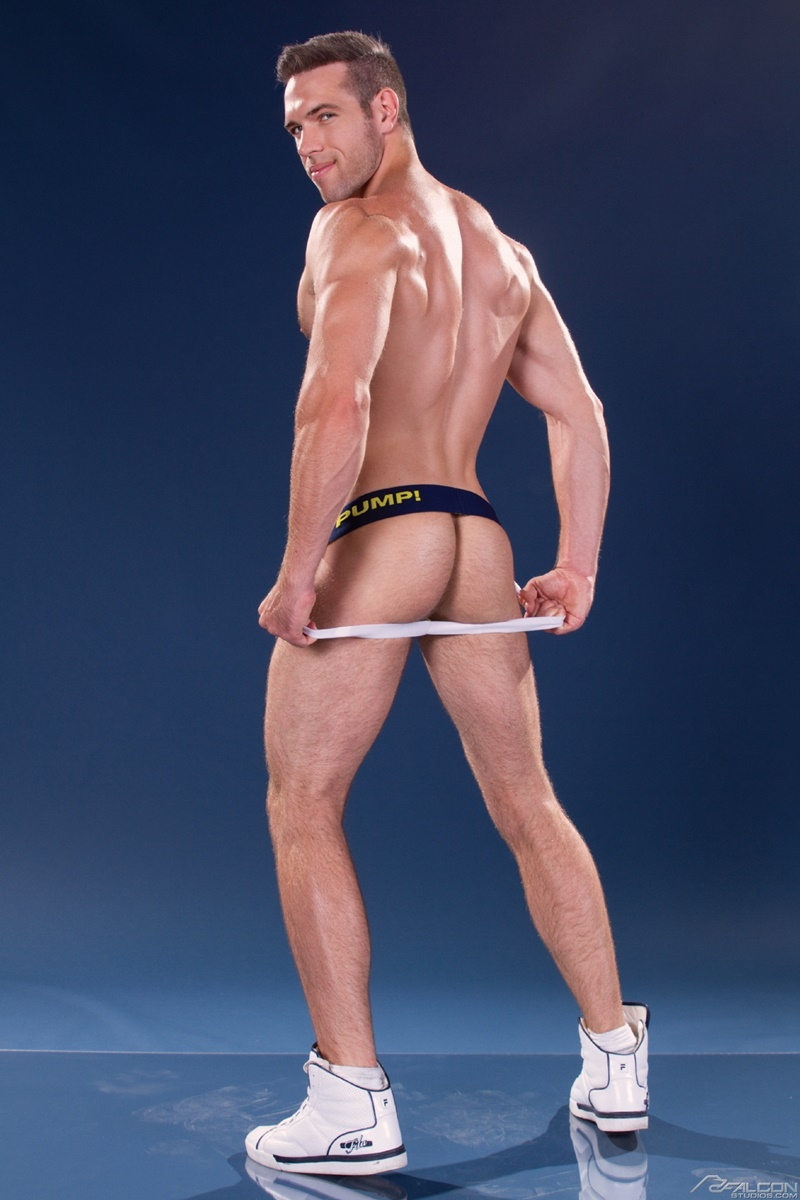 muscle johnny nude jpg 422x640