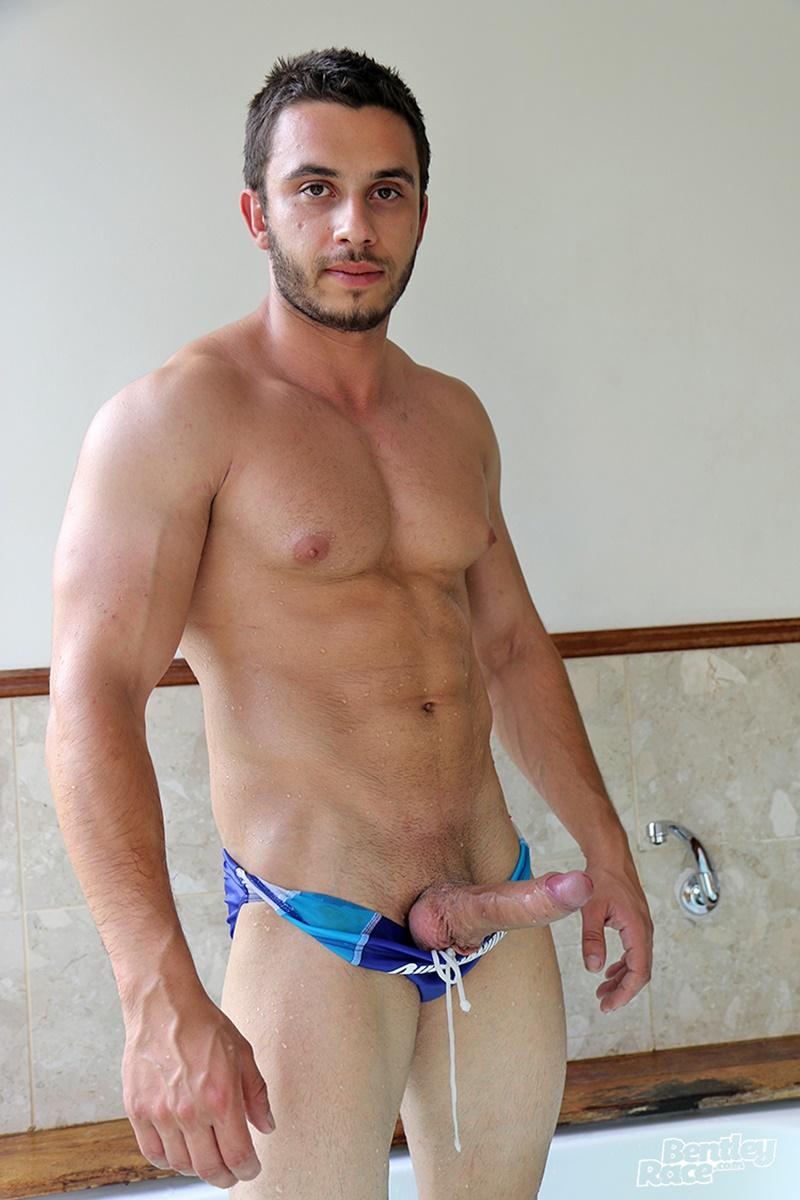 aussie hot naked guy