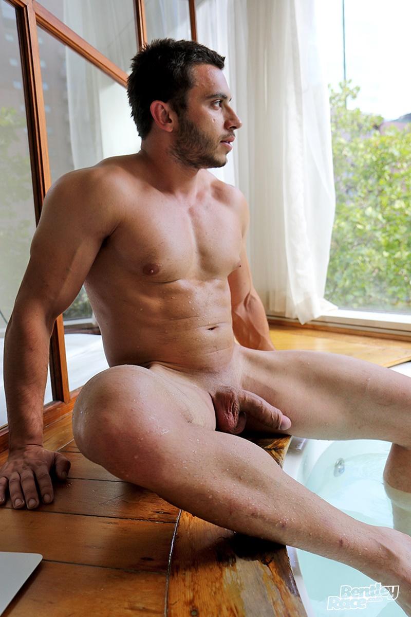 nude men live