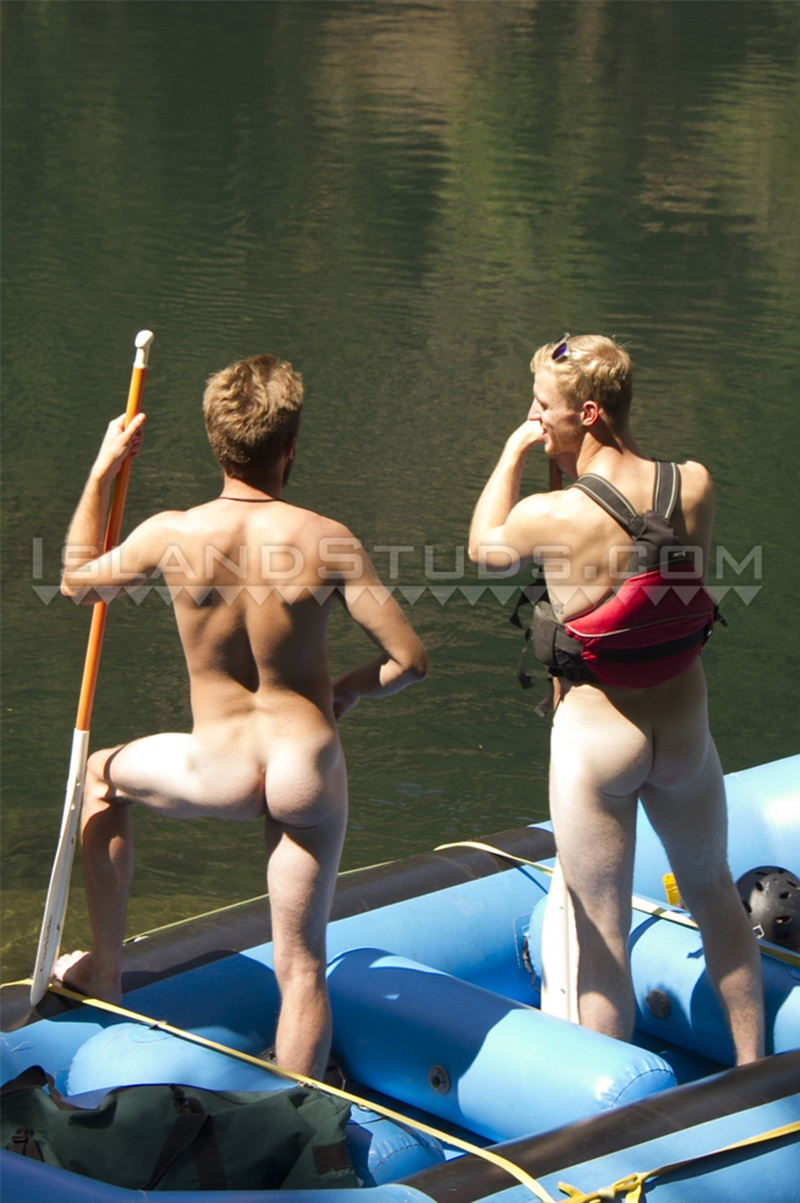Island Studs Roommates Chris Pryce And Chuck Go Nude White Water -9625