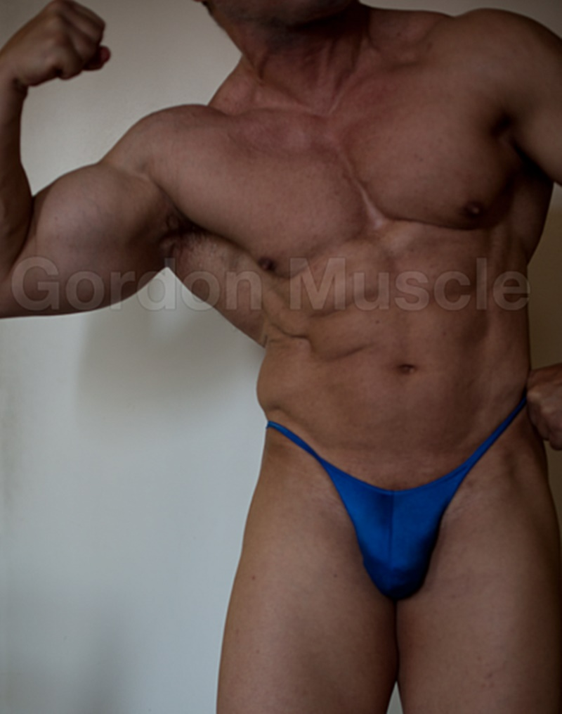 jockmenlive-nude-big-muscle-hunks-gordon-muscle-jerking-sweating-posing-pouch-huge-dick-crotch-bulge-cumshot-flexin-muscled-006-gay-porn-sex-gallery-pics-video-photo