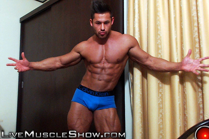 LiveMuscleShow-webcam-chat-jerking-naked-big-muscle-hunk-Chip-Michaels-strips-huge-9-inch-dick-erect-long-ripped-muscled-dude-bubble-butt-003-gay-porn-sex-gallery-pics-video-photo