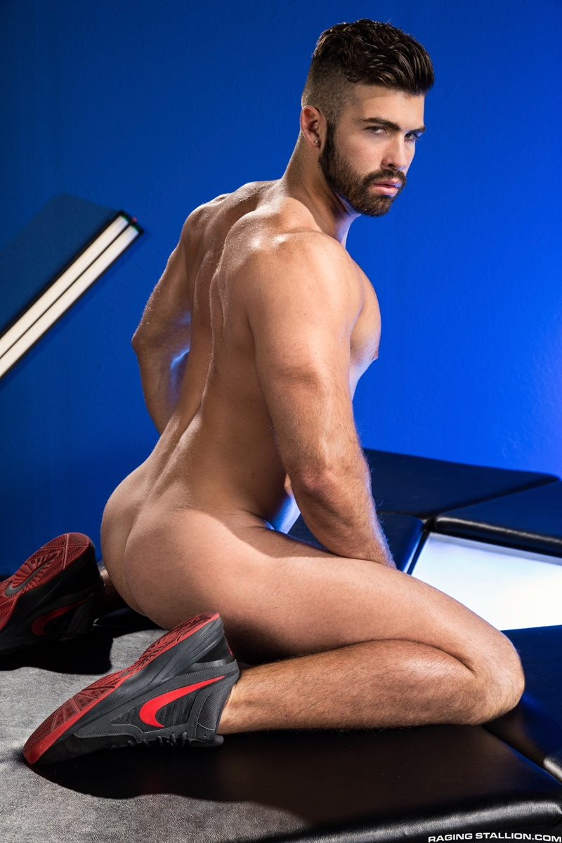 ragingstallion-sexy-naked-muscle-men-threesome-jacob-taylor-derek-deluca-jonah-fontana-hardcore-ass-fucking-big-thick-large-cocks-003-gay-porn-sex-gallery-pics-video-photo