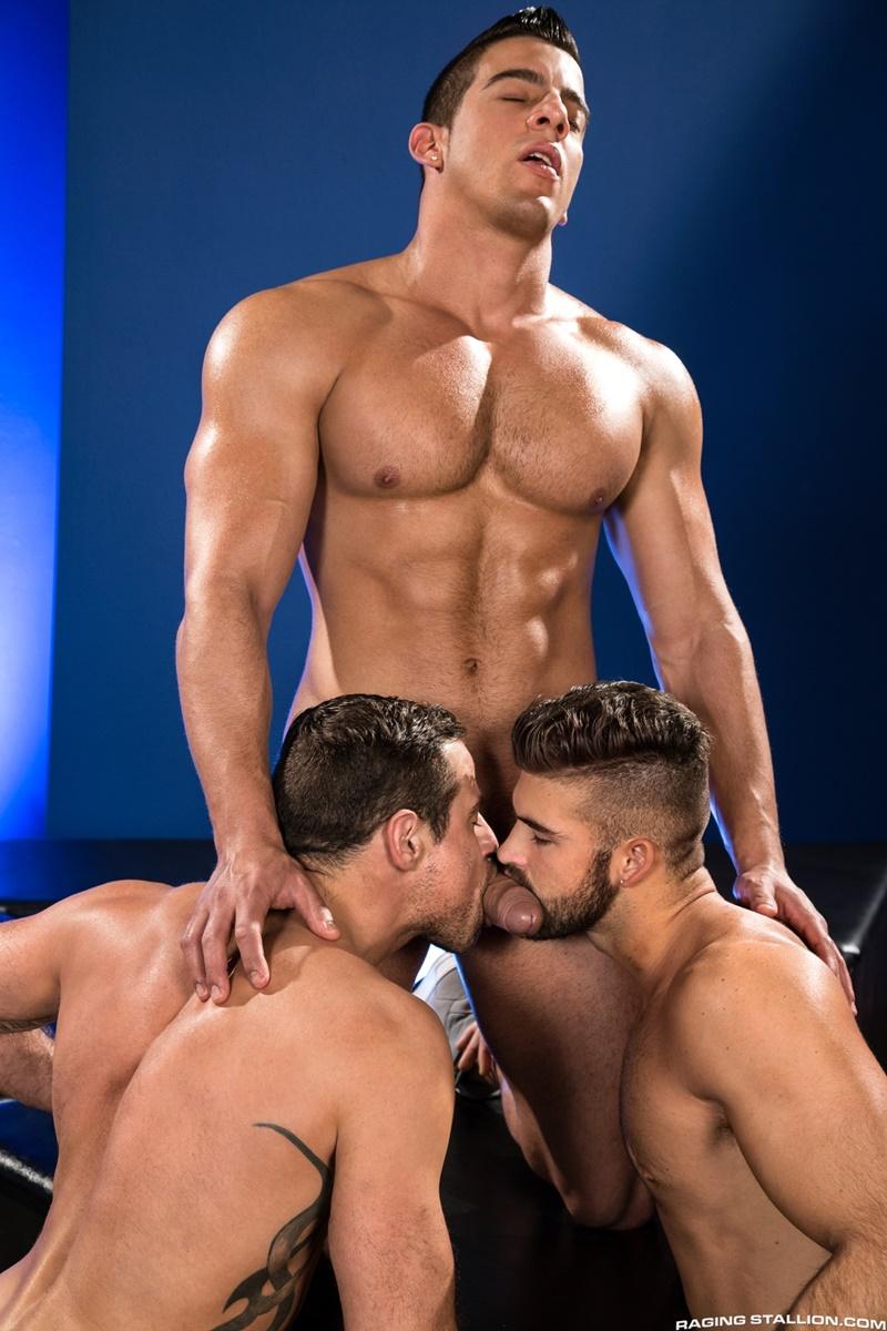 ragingstallion-sexy-naked-muscle-men-threesome-jacob-taylor-derek-deluca-jonah-fontana-hardcore-ass-fucking-big-thick-large-cocks-007-gay-porn-sex-gallery-pics-video-photo