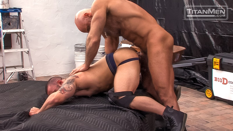 titanmen-naked-older-matur-muscle-men-parole-officer-jesse-jackman-fucks-ass-parolee-lorenzo-flexx-big-thick-long-dick-cocksucker-001-gay-porn-sex-gallery-pics-video-photo