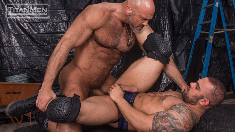 titanmen-naked-older-matur-muscle-men-parole-officer-jesse-jackman-fucks-ass-parolee-lorenzo-flexx-big-thick-long-dick-cocksucker-002-gay-porn-sex-gallery-pics-video-photo
