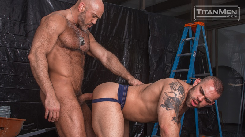 titanmen-naked-older-matur-muscle-men-parole-officer-jesse-jackman-fucks-ass-parolee-lorenzo-flexx-big-thick-long-dick-cocksucker-009-gay-porn-sex-gallery-pics-video-photo