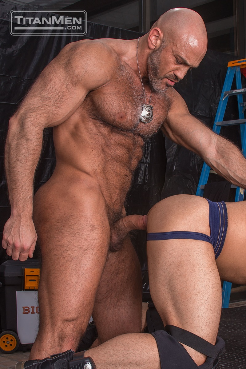 titanmen-naked-older-matur-muscle-men-parole-officer-jesse-jackman-fucks-ass-parolee-lorenzo-flexx-big-thick-long-dick-cocksucker-010-gay-porn-sex-gallery-pics-video-photo
