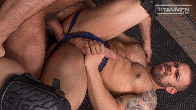 titanmen-naked-older-matur-muscle-men-parole-officer-jesse-jackman-fucks-ass-parolee-lorenzo-flexx-big-thick-long-dick-cocksucker-012-gay-porn-sex-gallery-pics-video-photo