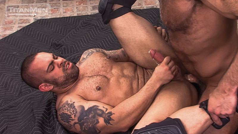 titanmen-naked-older-matur-muscle-men-parole-officer-jesse-jackman-fucks-ass-parolee-lorenzo-flexx-big-thick-long-dick-cocksucker-020-gay-porn-sex-gallery-pics-video-photo