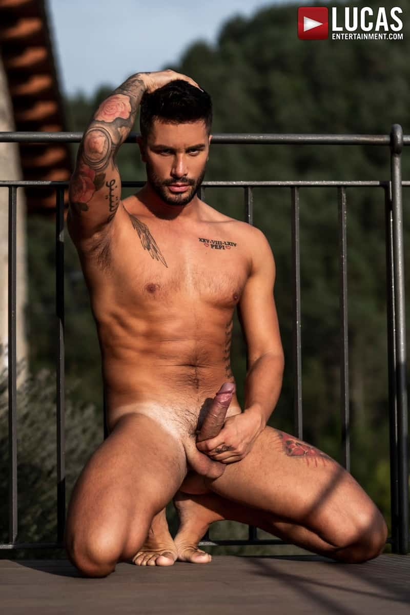 Hottie-muscle-hunks-Andrea-Suarez-Andy-Onassis-J-Anders-uncut-raw-fucking-LucasEntertainment-004-Gay-Porn-Pics