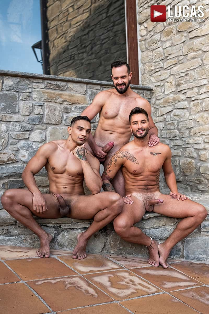 Hottie-muscle-hunks-Andrea-Suarez-Andy-Onassis-J-Anders-uncut-raw-fucking-LucasEntertainment-011-Gay-Porn-Pics